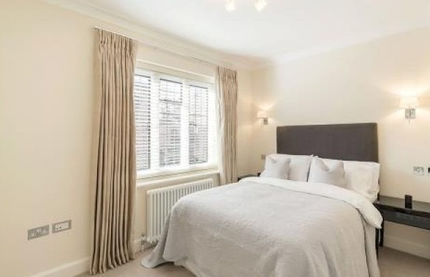 sprimont-place-chelsea-london-sw3-bedroom