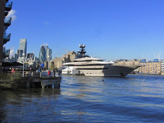 luxury yacht london river thames