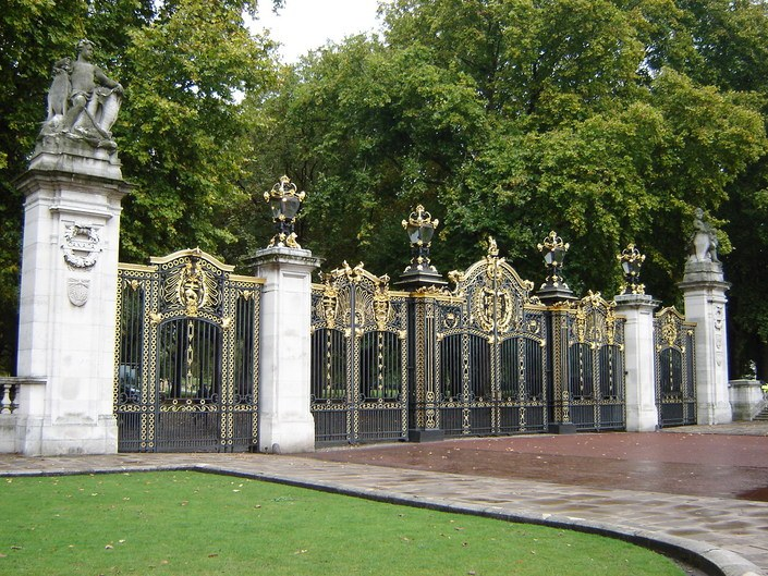 Canada Gate - Green Park, London England