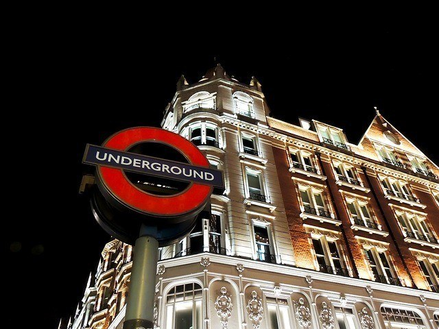 knightsbridge Underground Sign